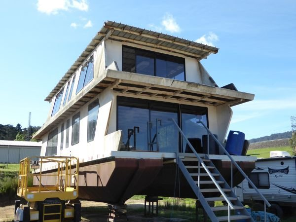 Houseboat Holiday Home on Lake Eildon, Vic.:Toms Project @ Lake Eildon Services Yard