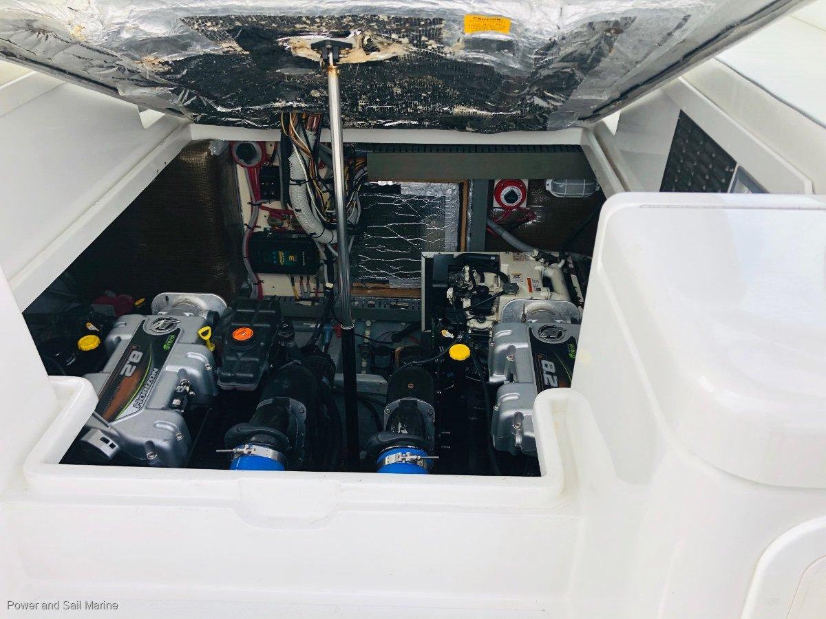 Luhrs 32 Open Express Low hours shaft drive ideal Rottnest weekender!