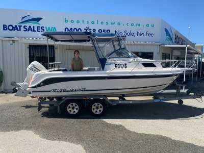 CruiseCraft Outsider 550 1999 Model 440Hrs Very neat and tidy