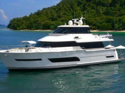 Horizon Yacht V72 *** Zero speed stablisation / low hours ***