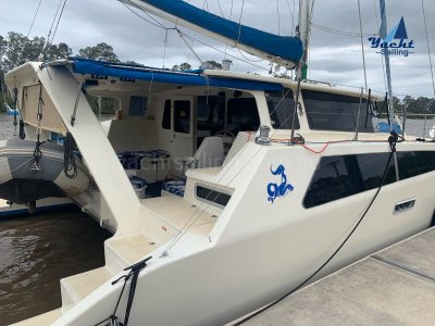 Easy 11.6 live aboard with full headroom both in saloon an