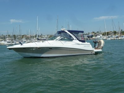 Four Winns Vista 378 Sports Cruiser