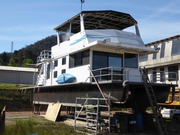 Houseboat Holiday Home at Lake Eildon, Vic.:Howqua @ Lake Eildon Services Yard