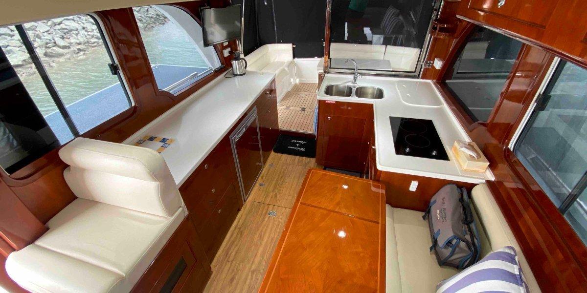Integrity 340 Sedan