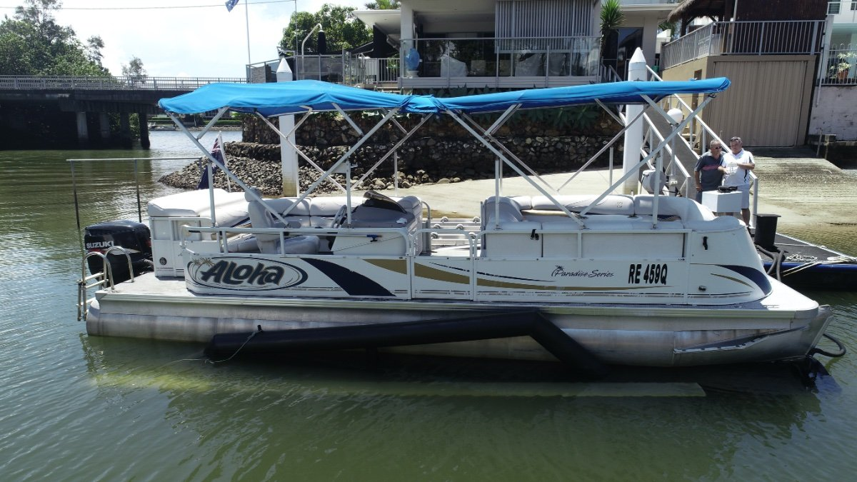 Aloha Pontoons Paradise 250 Triple Hull