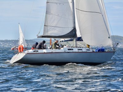 Mottle 33 EXCELLENT CONDITION CRUISER/RACER, MANY UPGRADES
