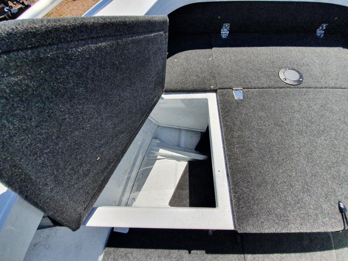 New Quintrex 420 Renegade SC
