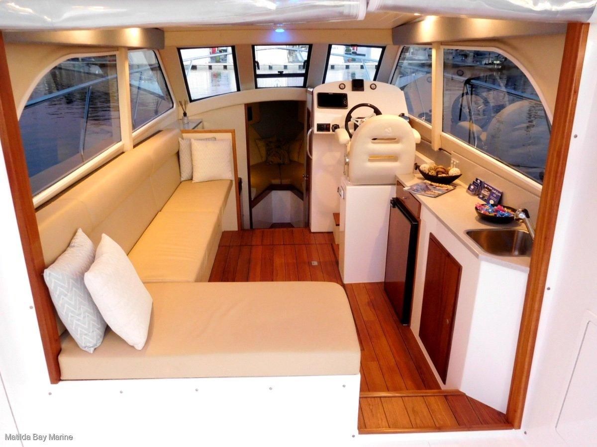 Matilda Bay 32 Demo - Twin 300 hp Mercury Outboards