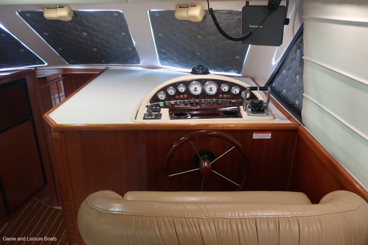 Riviera 42 Flybridge 2004MY