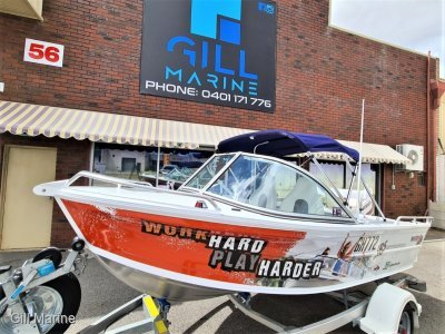 "Quintrex 430 Fishabout ""LOW HOURS"" TURN KEY FAMILY FUN READY TO GO..... !"