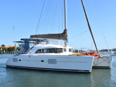 Lagoon 380 Premium - 3 Cabin owners version