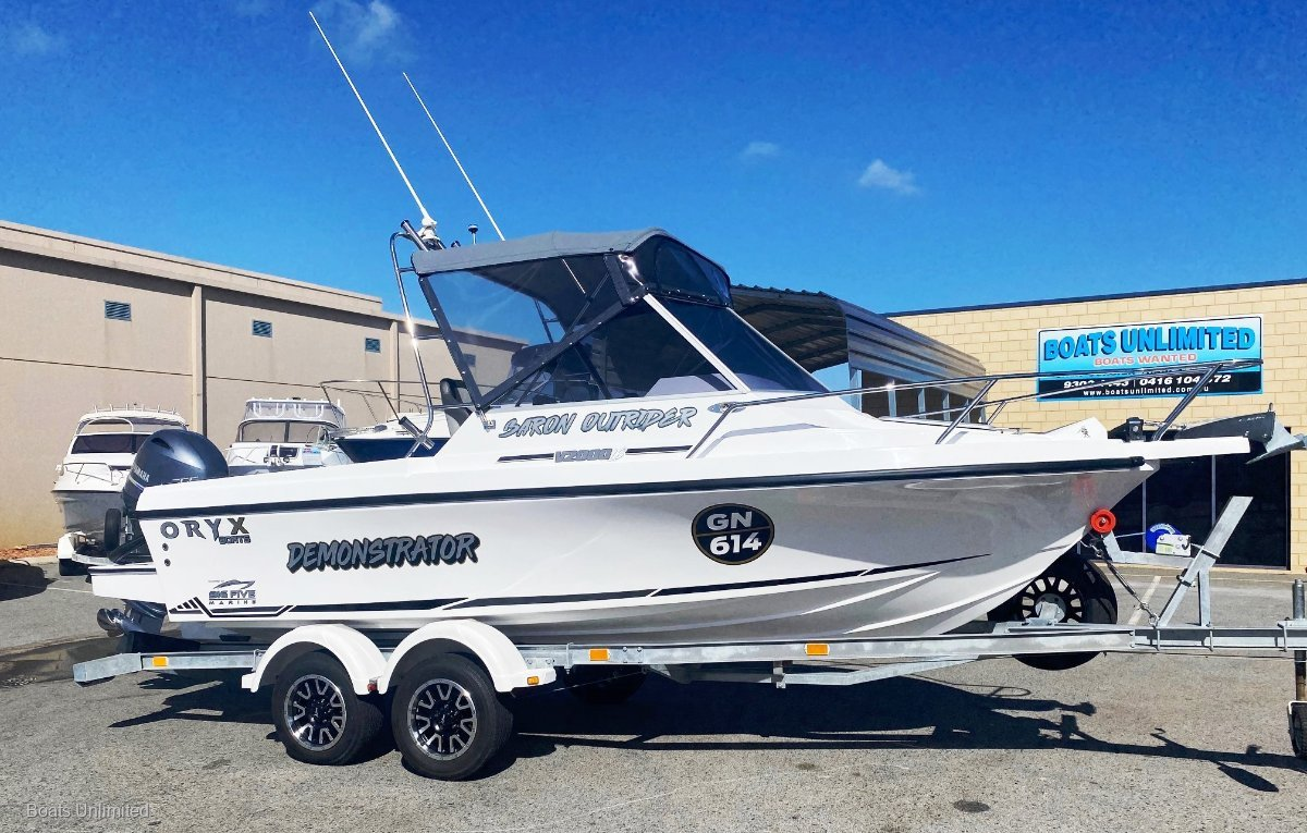 New Baron Outrider 2020 Sportsfisherman LS MODEL BOAT SHOW SPECIAL