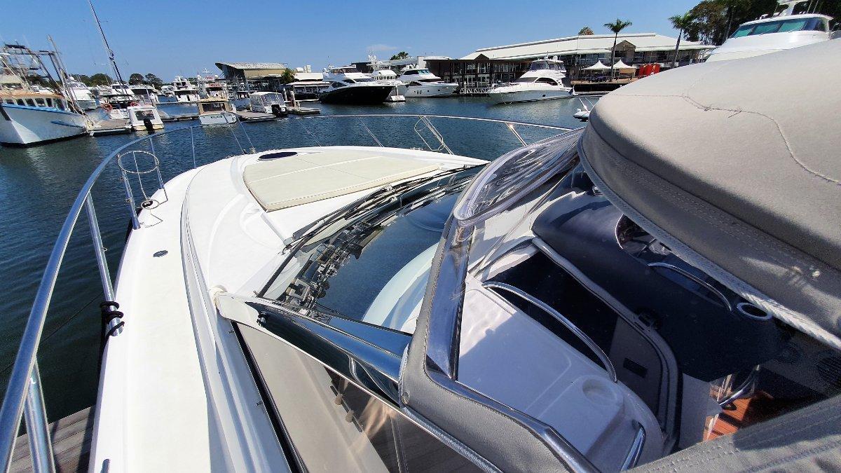 Sunseeker Portofino 47 Sports Yacht
