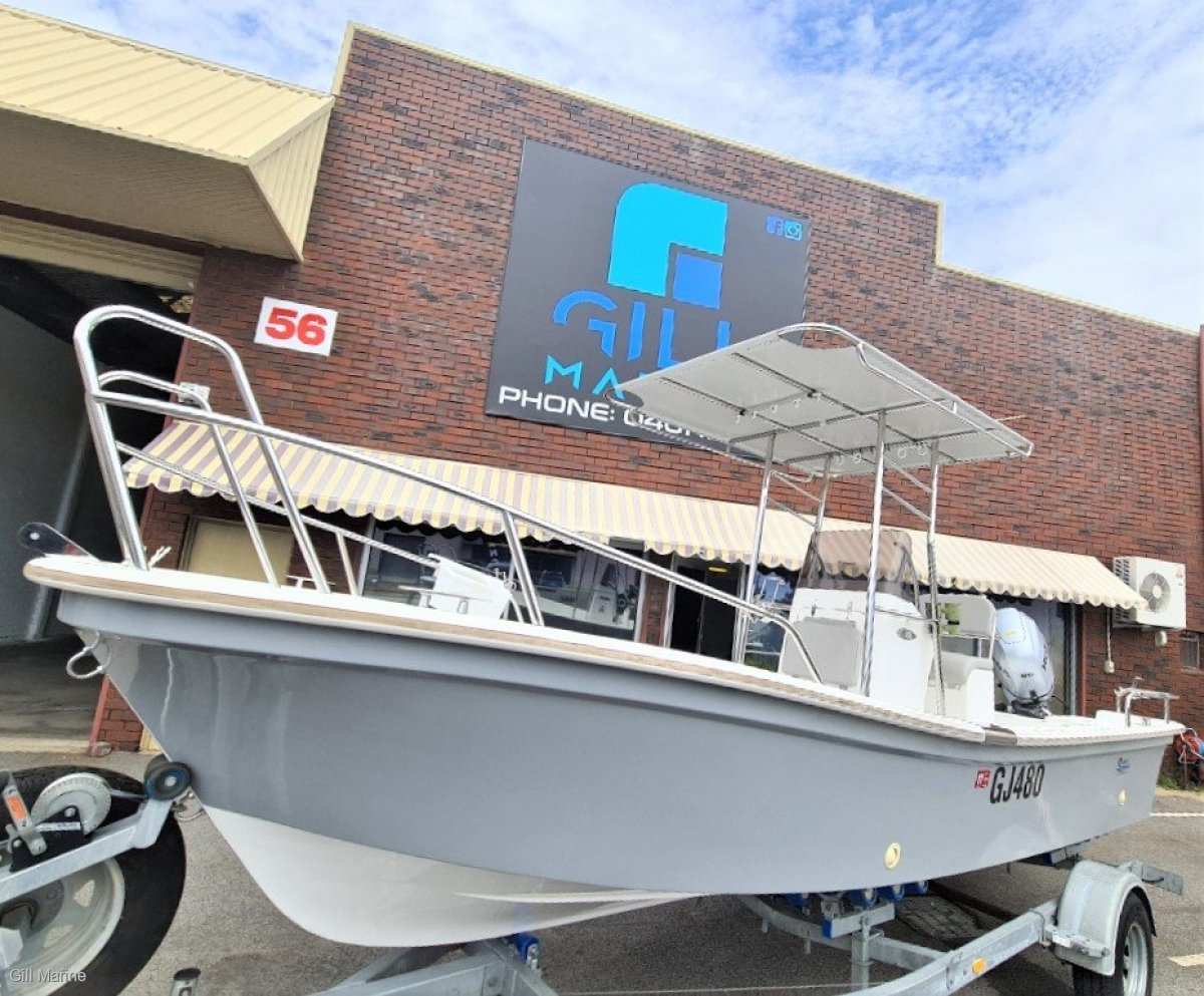 Roebuck Boats 580 Utility Boat Centre Console $160 P/W - 2016 only 48hours use ready to go.. !!