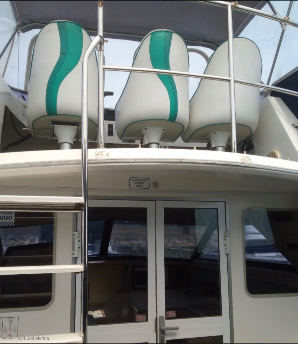 Leeder 28 Montego Fly Bridge Beautiful condition boat with near new engine!