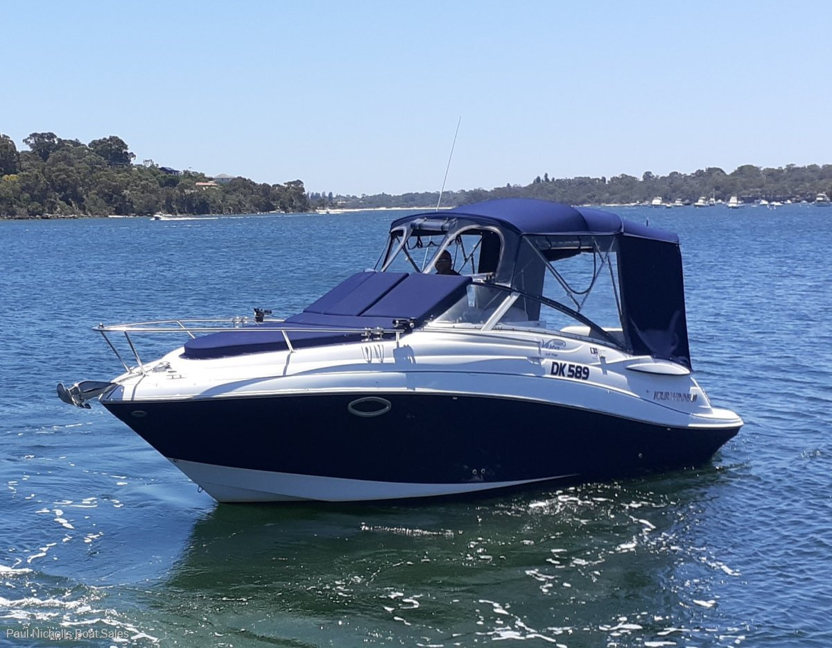 Four Winns Vista 258 PRESENTS VERY WELL AND WOULD SUIT FIRST BOAT BUYER