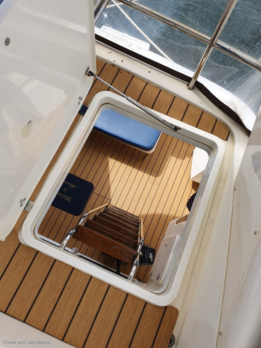 Fairline Brava 36 Shaft and Cat diesel with 600hrs, English classic!