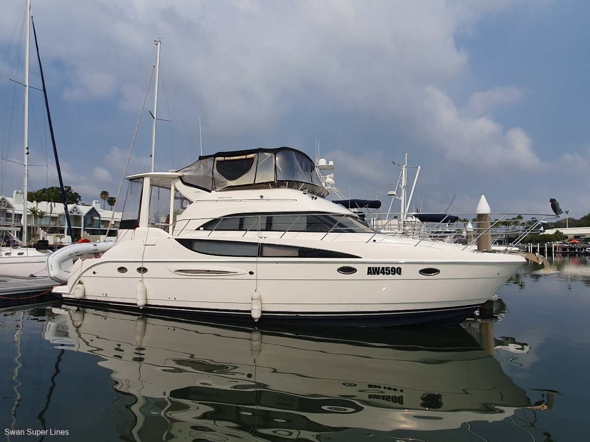 Meridian 459 Motoryacht AFT COCKPIT
