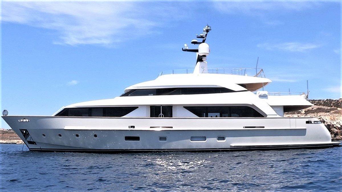 Sanlorenzo SD 112 Tri-Deck Motor Yacht