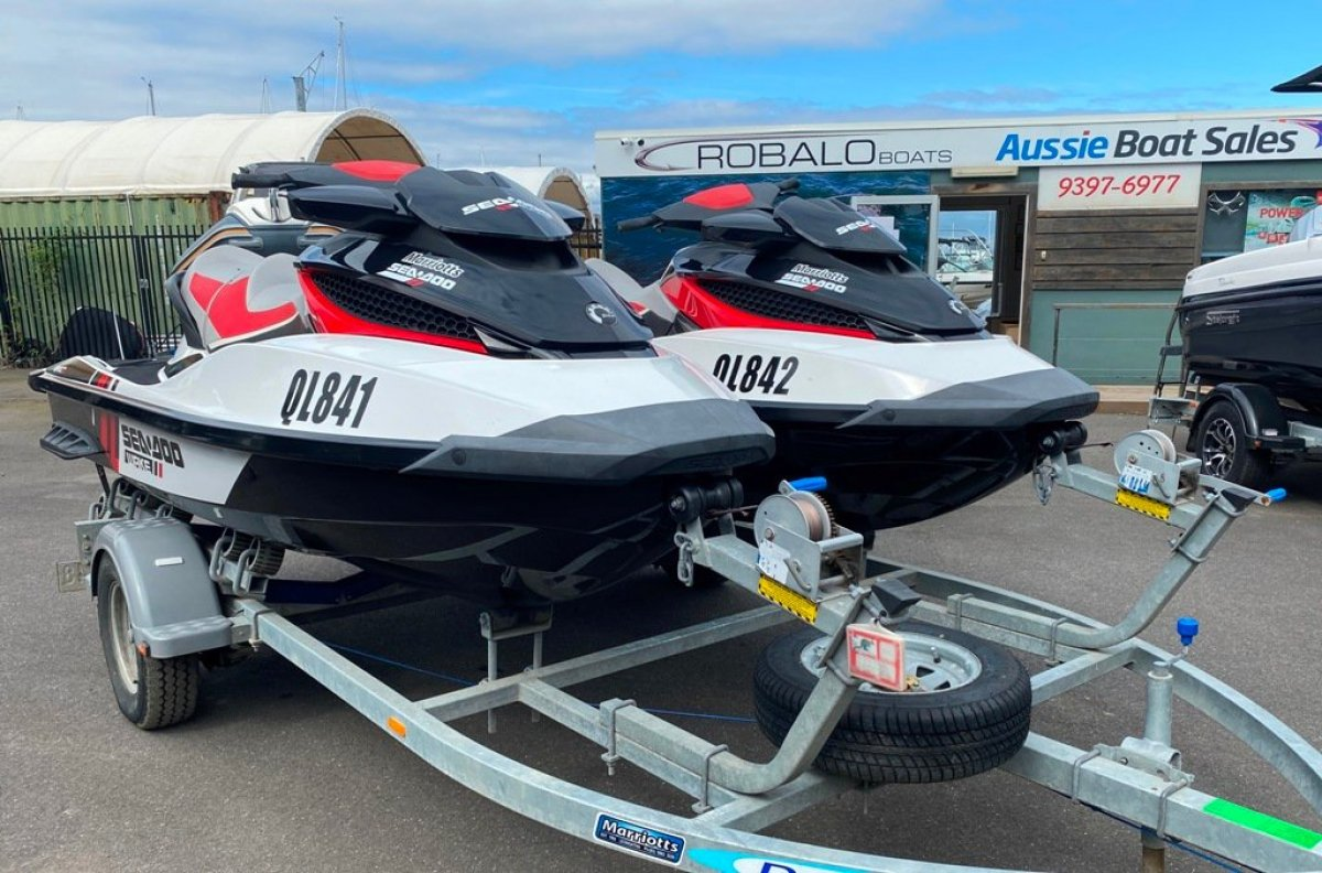 Sea-Doo Wake Pro 215 twin pack
