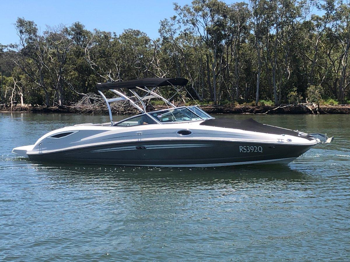 Sea Ray 290 Sundeck Bowrider