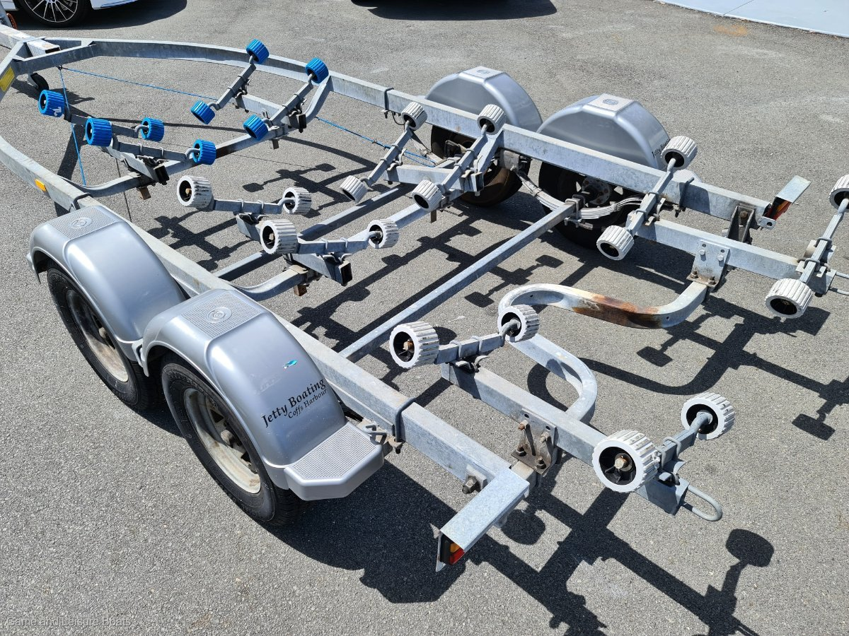 USED DUNBIER TRAILER