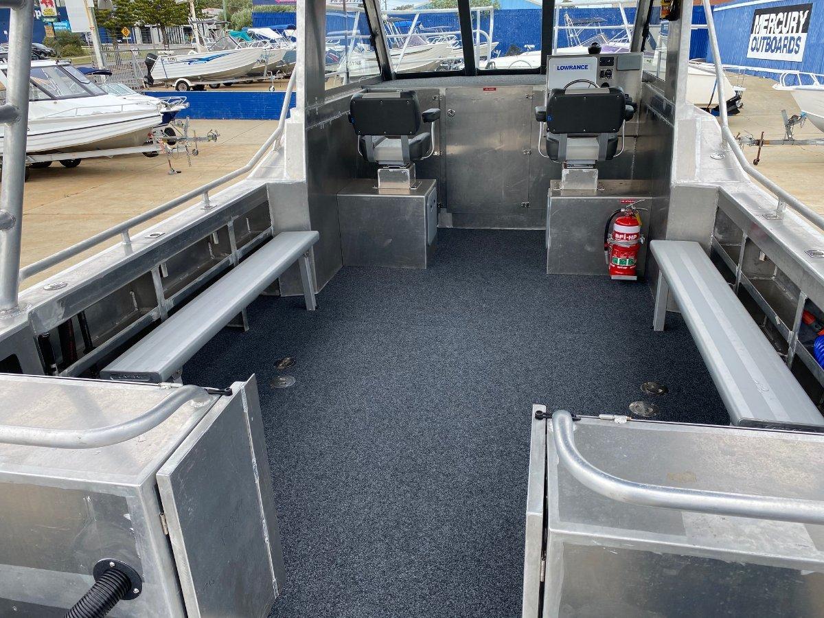 Saltwater Commercial Boats 8.0 Catamaran