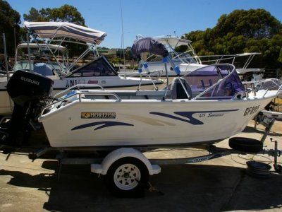 Horizon 425 Sunrunner 2011 with 40hp Suzuki
