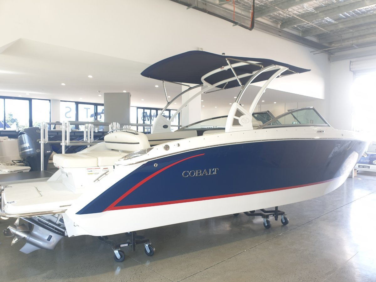 Cobalt R7 FACTORY DEMO -FULL NEW BOAT AND ENGINE WARRANTY