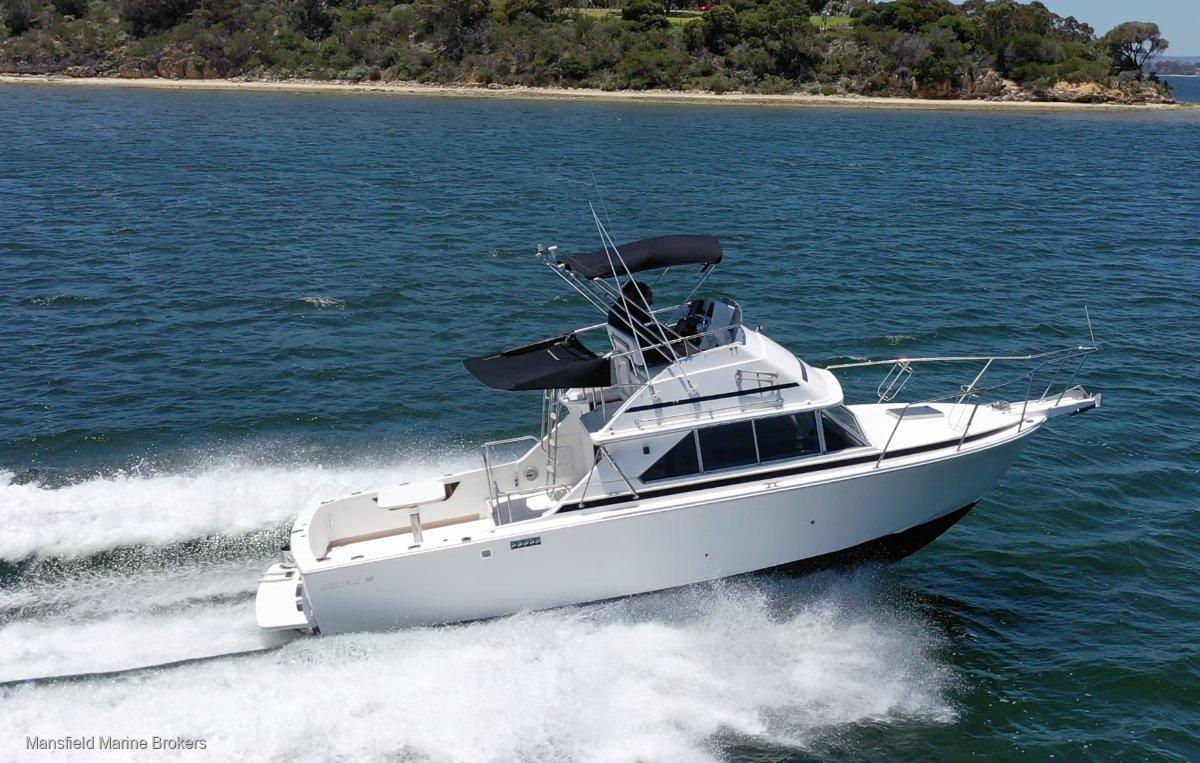 Caribbean 28 Flybridge cruiser