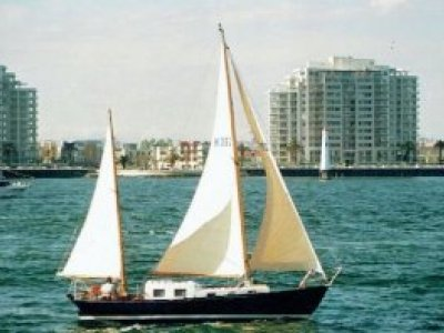 Herreshoff H28 Ketch Rigged