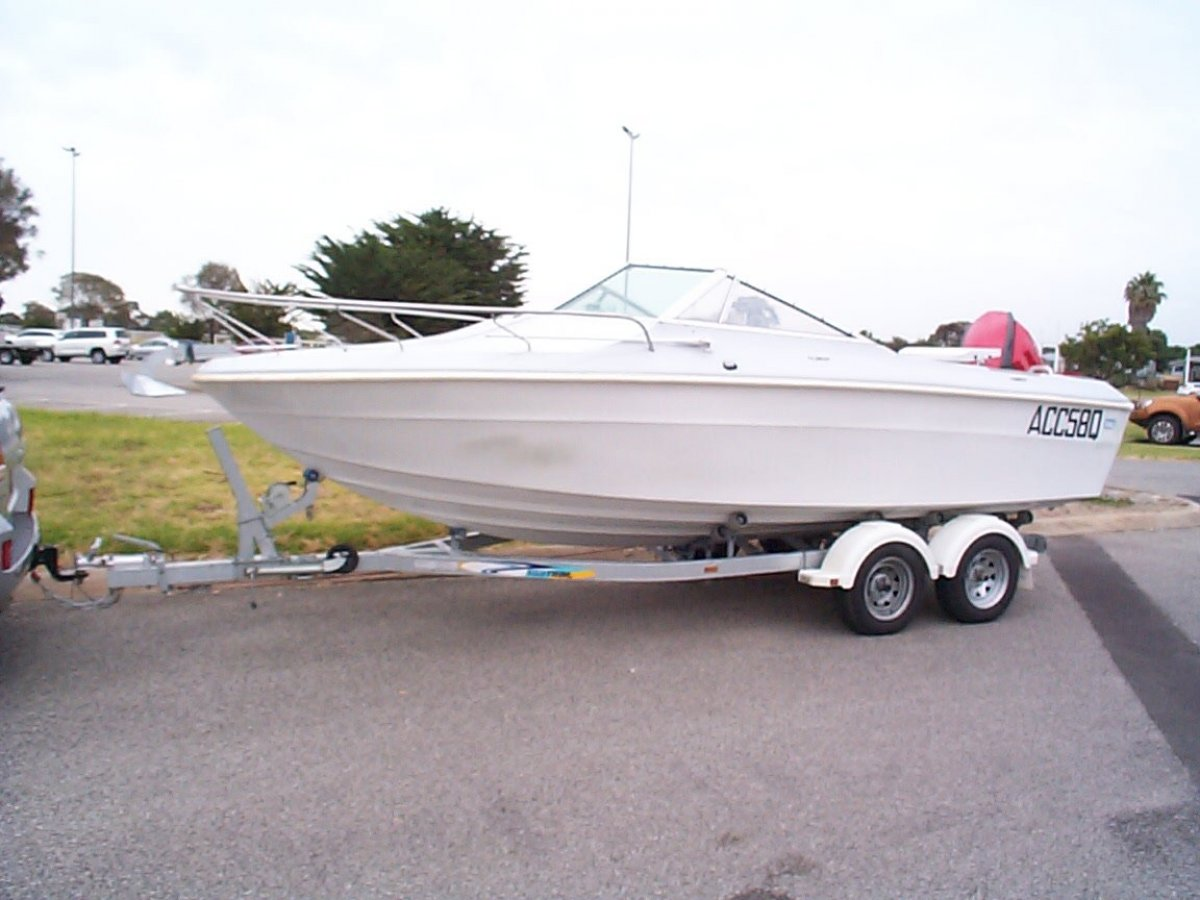 Mustang 21 Runabout