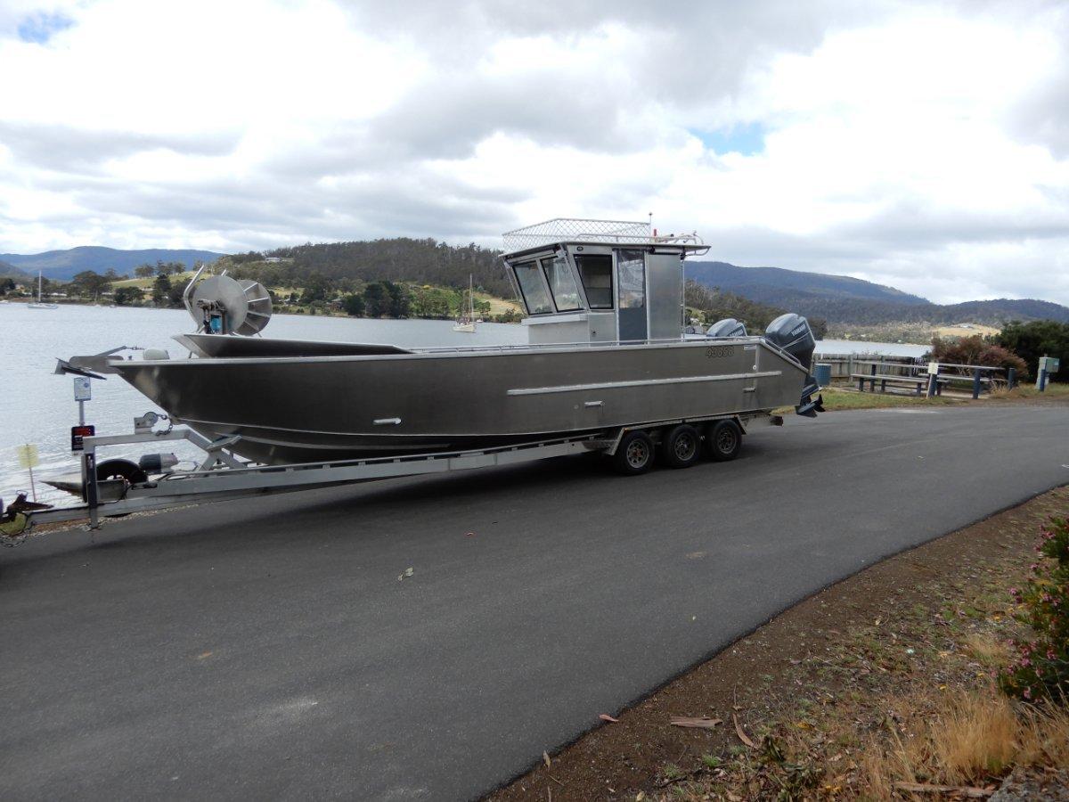 Bollard 9.7m Planing hull alloy workboat Current 3C Survey