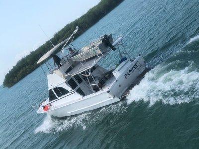 Harriscraft Flybridge Cruiser