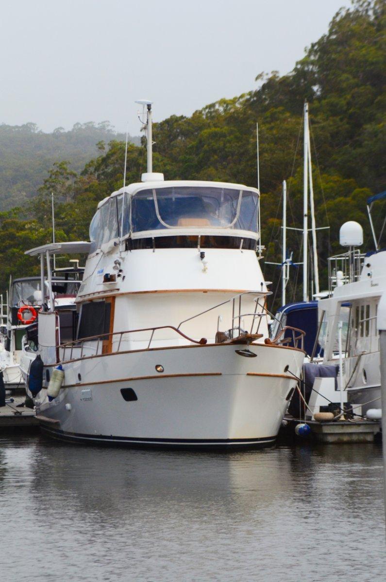 Mariner Flybridge Cruiser:Taken 1/21