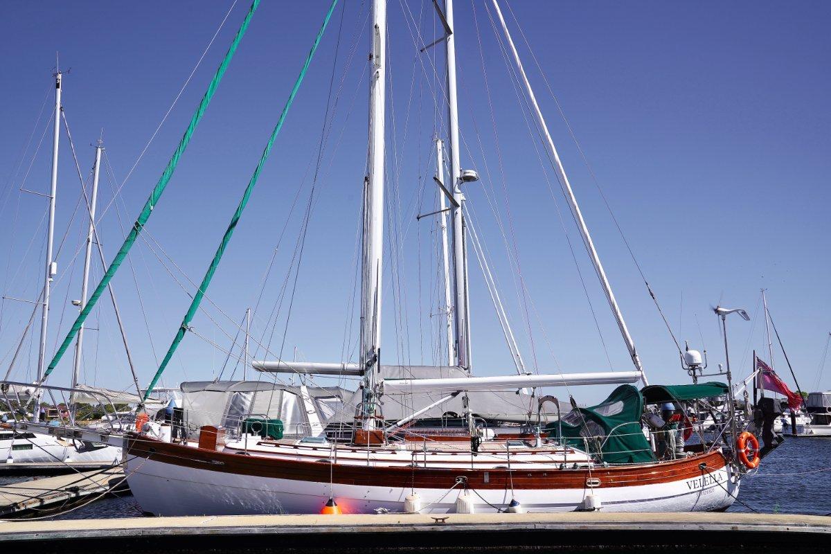 Hans Christian 41T Molokai - Comfortable cruiser ready to sail the world!:Hans Christian 41 T