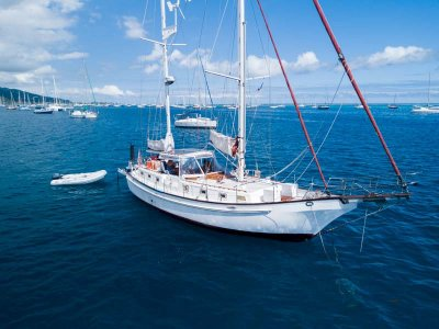 Roberts Spray 42 Go-anywhere cruising yacht in great condition
