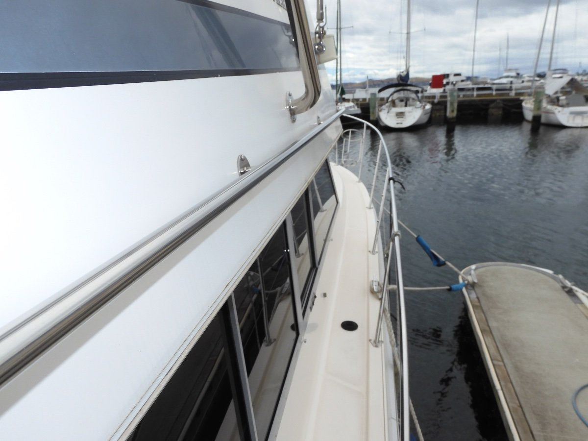 Riviera M35 Aft Cabin Flybridge Cruiser EXCEPTIONAL ACCOMMODATION, EXCELLENT CONDITION