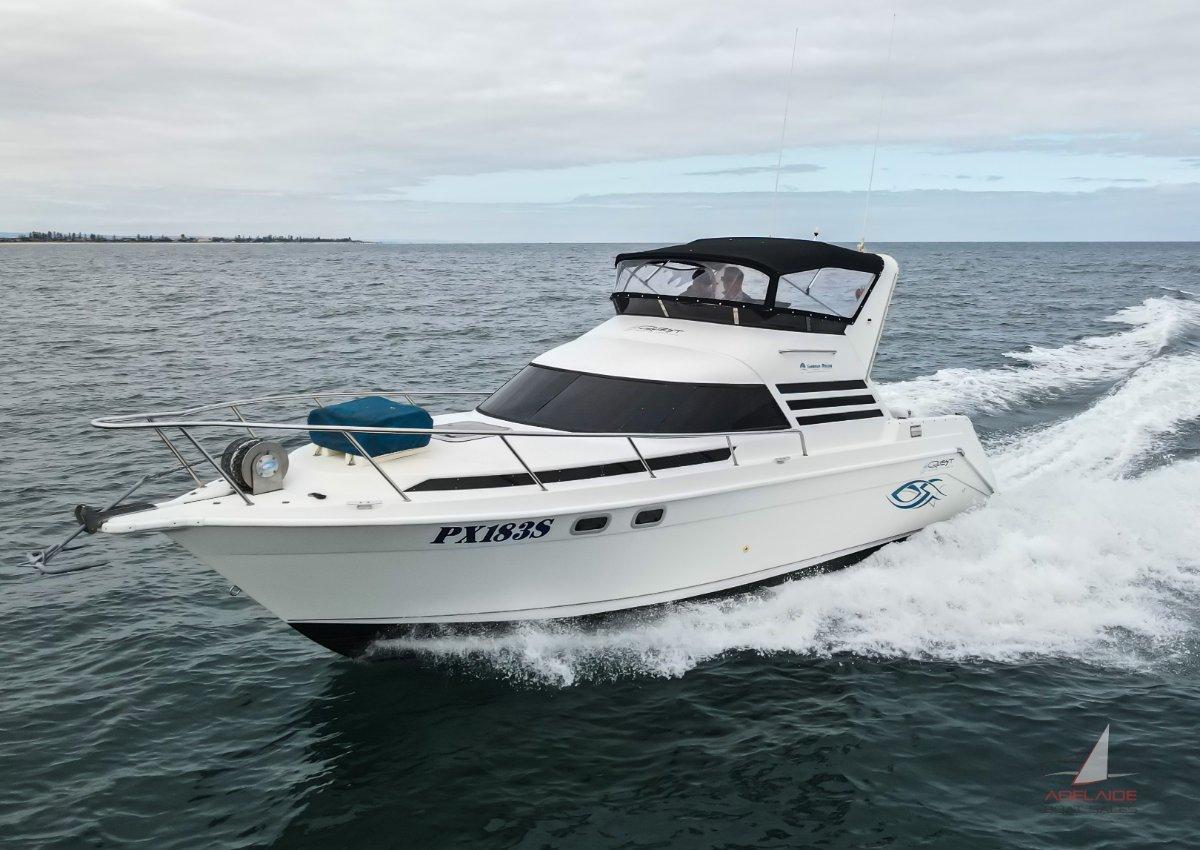 Seaquest 2800 Sportsbridge Cruiser