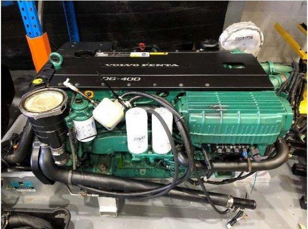 2 x 2017 Volvo Penta D6-400 diesel engines