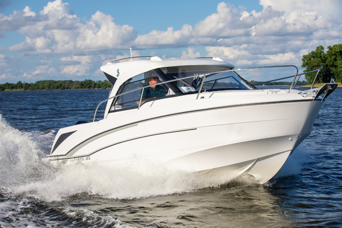Beneteau Antares 7.0 OB Bargain, Brand New and only 1/5th of the price