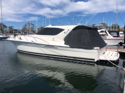 Riviera 4000 Offshore Hardtop Platinum Series Immaculate condition, diesel and shaft!