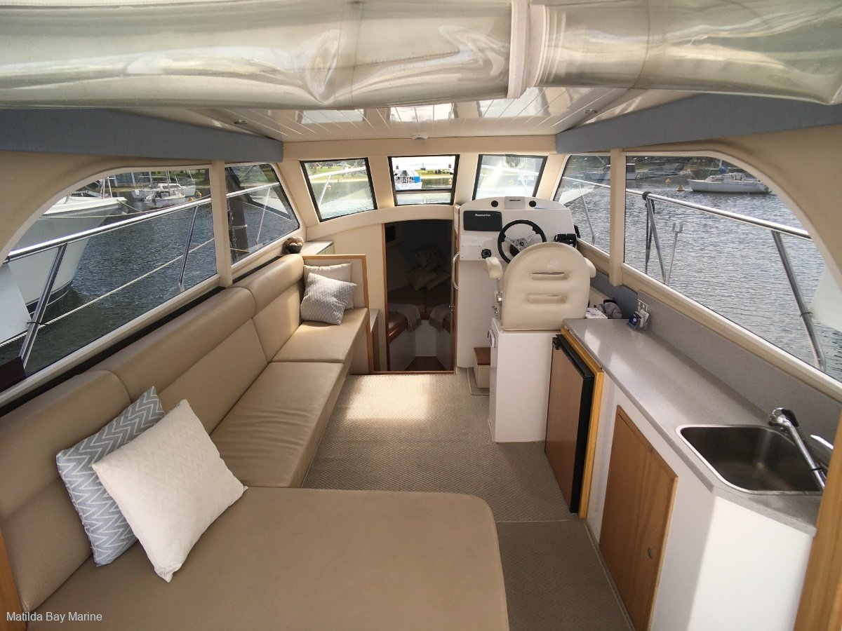 Matilda Bay 32 Outboard Demonstrator