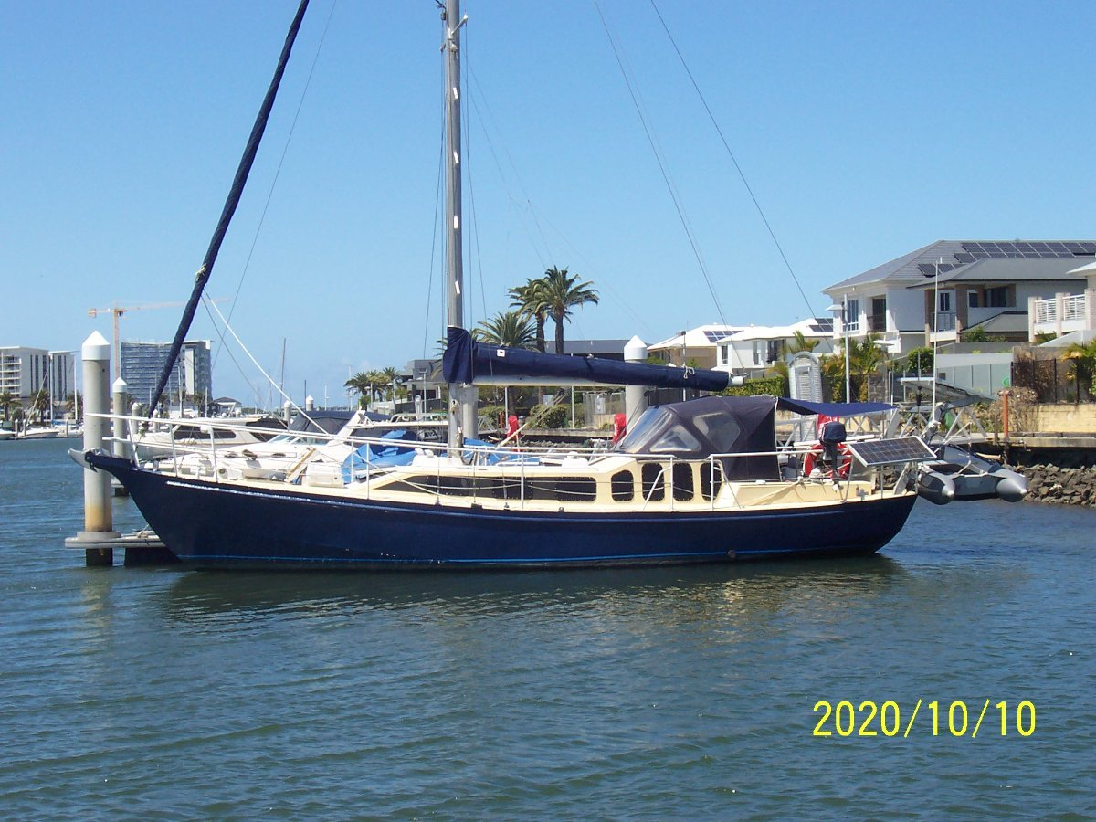Roberts 38 Cruising Yacht Private Sale Price Reduced $10000