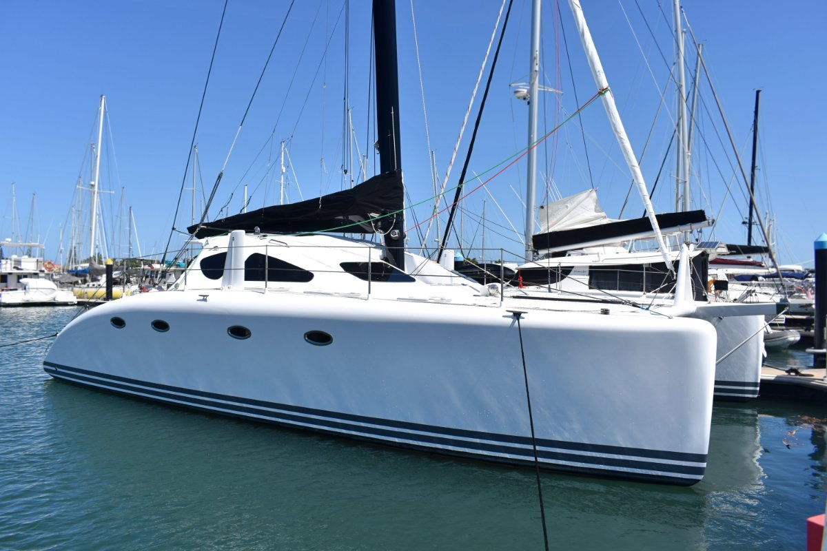 Spirited 380 Catamaran in Excellent Condition