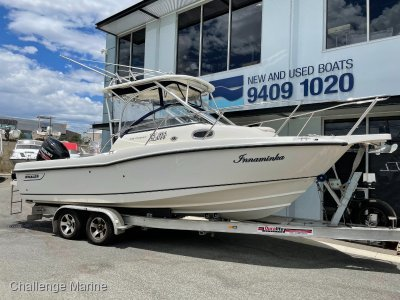 Boston Whaler 235 Conquest Suzuki 300 hp