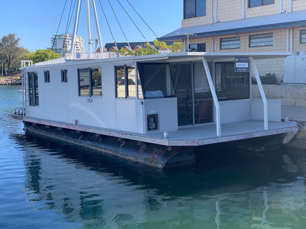 Custom 14m Houseboat