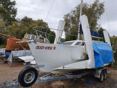 Farrier 720 (Extended to 740) Trimaran with trailer