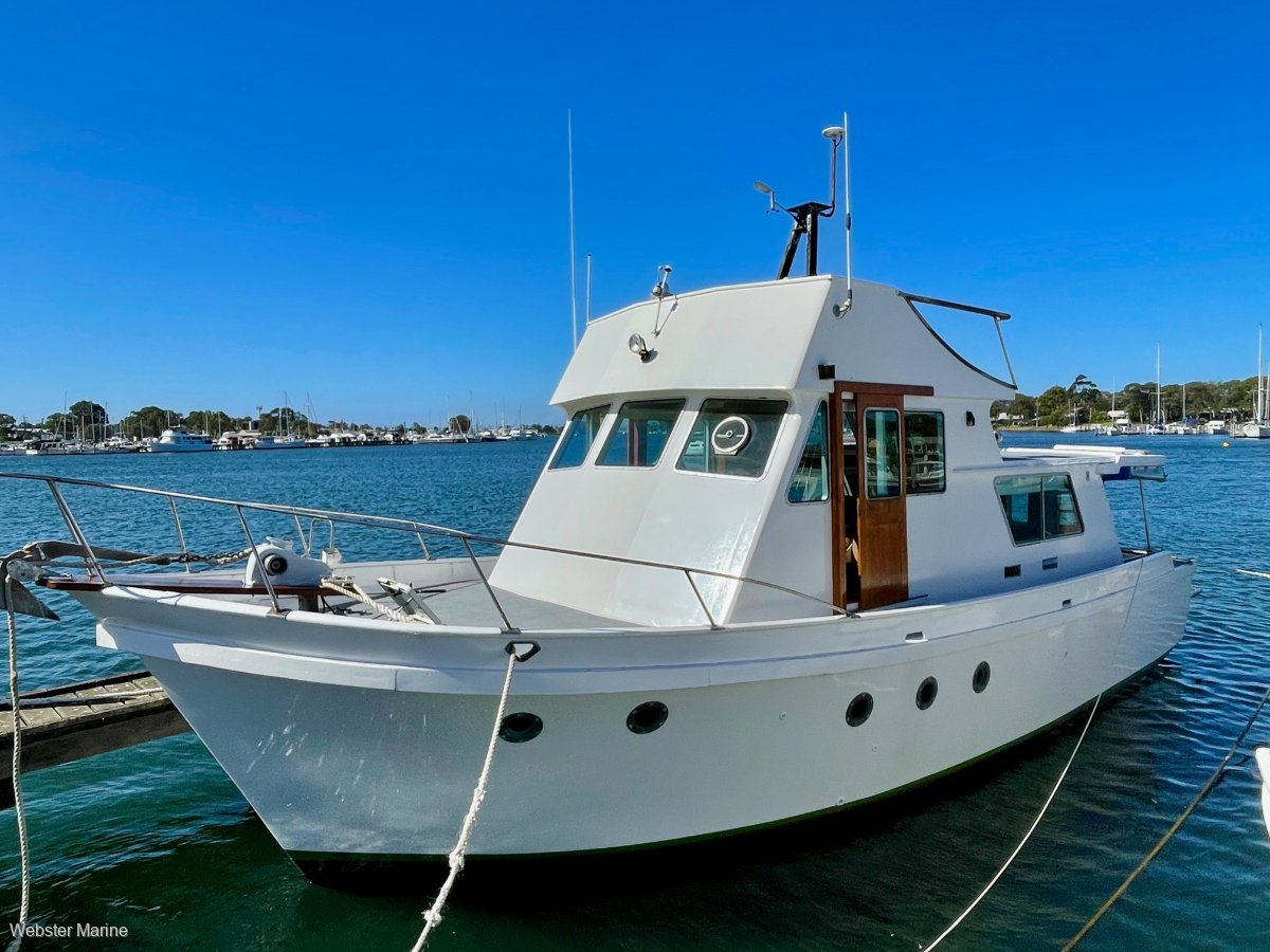 Roberts 36 Flybridge Cruiser