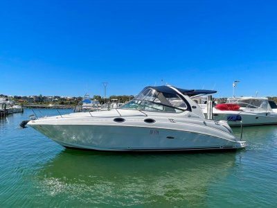 Sea Ray 315 Sundancer **SLIPPED - SERVICED - POLISHED - NEW CLEARS**